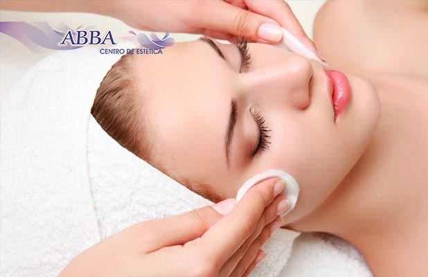 Abba: Peeling de Diamante, Máscara Tensora e Massagem Facial